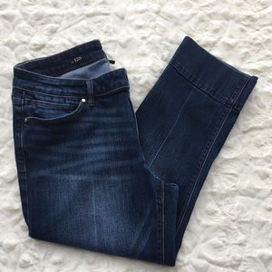 WhiteHouse/BlackMarket cropped Jeans sz12 slim